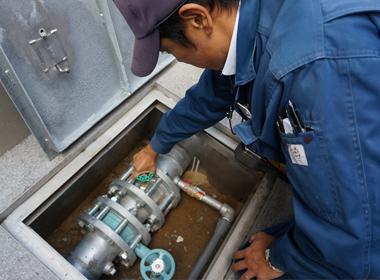 送水口ならびに放水口、配管の外観チェック(各階)